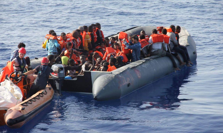 Ιταλία: Πάνω από 400 αφίξεις μεταναστών και προσφύγων το τελευταίο 24ωρο στην Λαμπεντούζα - Υπερπλήρες και πάλι το κέντρο προσωρινής παραμονής του νησιού
