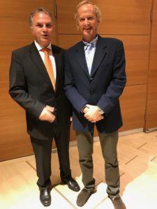 Ο δημοσιογράφος του Καναλιού Ένα Νίκος Μπαρδούνιας με τον εφοπλιστή Γ. Οικονόμου