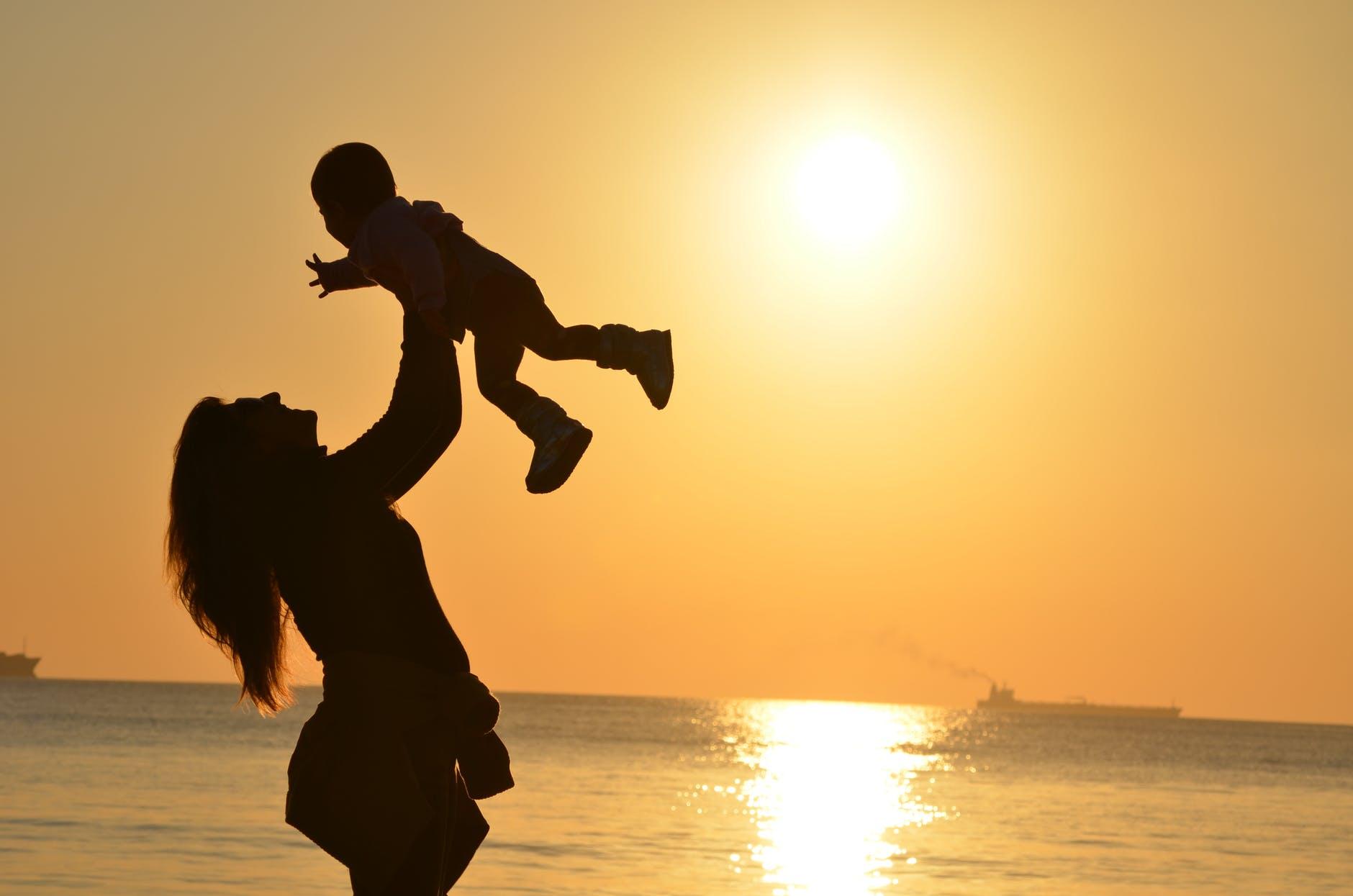 Το Κανάλι Ένα 90,4 γιορτάζει την Ημέρα της Μητέρας με μια σειρά θεματικών εκπομπών