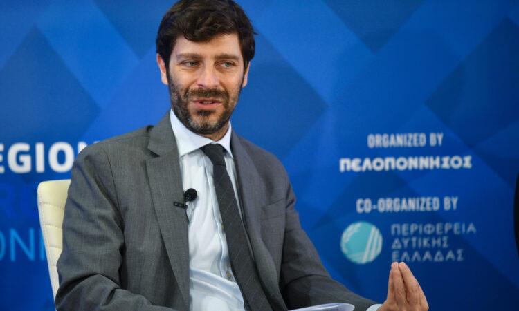 Νικόλας Γιατρομανωλάκης: Το Freedom Pass δεν είναι δωροδοκία (ηχητικό)
