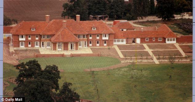 Το σπίτι του πρίγκιπα Άντριου στο Sunninghill Παρκ αγοράστηκε από μεγιστάνα