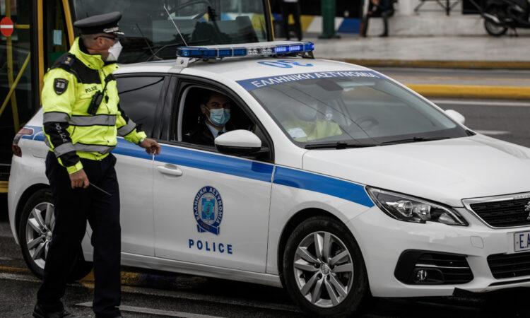 Εξάρθρωση σπείρας που διακινούσε ναρκωτικά στον Πειραιά-Συνελήφθησαν 5 άτομα