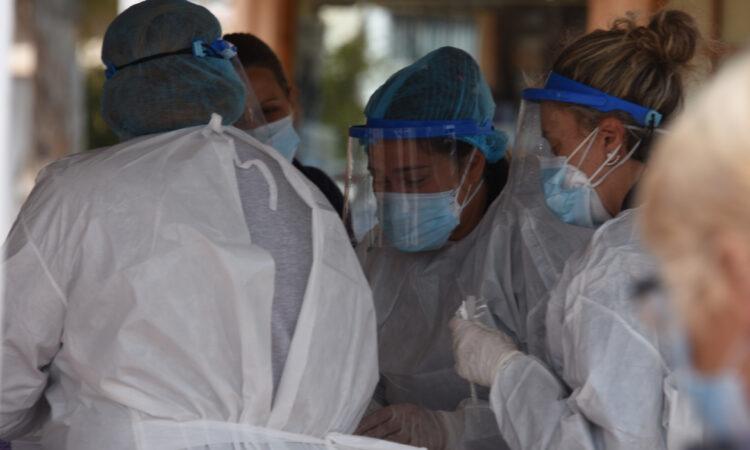 Αμερικανική έρευνα: Το κοινό κρυολόγημα καταπολεμά την Covid-19, ενεργοποιώντας ιντεφερόνες