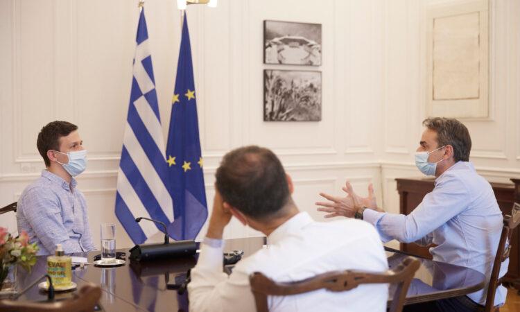 Συνάντηση του Πρωθυπουργού με τον ιδρυτή της διαδικτυακής πλατφόρμας Instashop