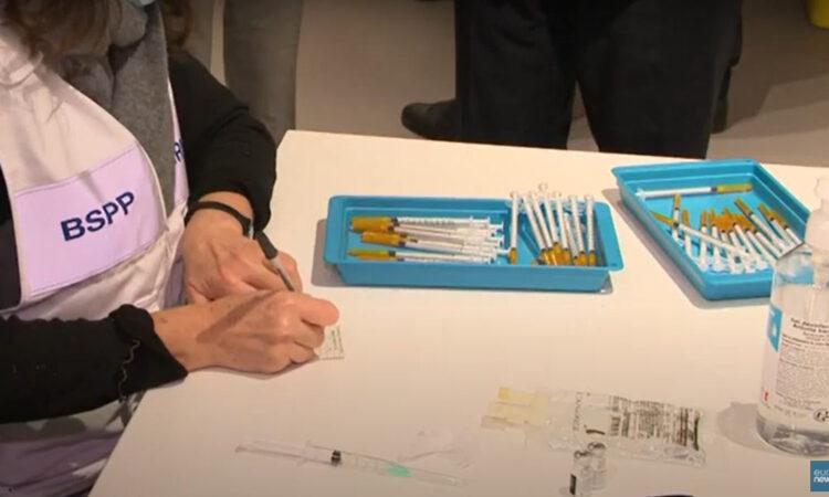 Προς υποχρεωτικούς εμβολιασμούς κινείται η Γαλλία