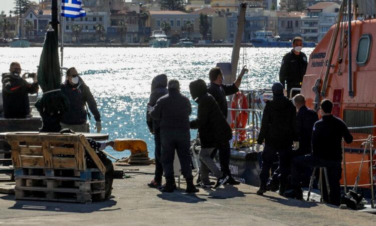 Επιχείρηση διάσωσης μετά τη βύθιση λέμβου με αλλοδαπούς