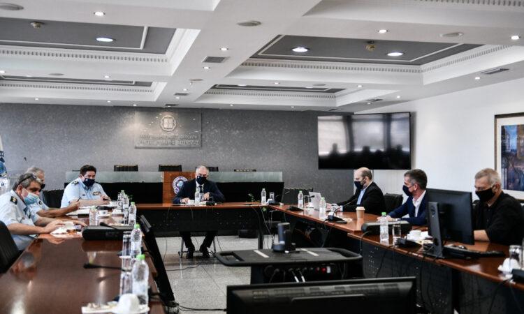 Ο Δήμαρχος Πειραιά σε ευρεία σύσκεψη με τον Υπουργό Προστασίας του Πολίτη για τα νέα μέτρα αντιμετώπισης του κορωνοϊού